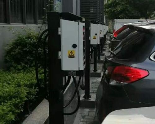 极数充南山智恒战略新兴产业园充电站投入运营